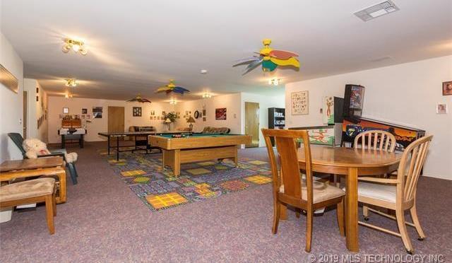 Luxury homes in Catoosa, Oklahoma   820 Lynn Lane Road Catoosa, Oklahoma 74015 21