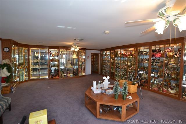 Luxury homes in Catoosa, Oklahoma   820 Lynn Lane Road Catoosa, Oklahoma 74015 23