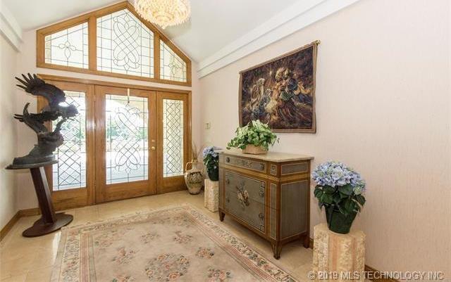 Luxury homes in Catoosa, Oklahoma   820 Lynn Lane Road Catoosa, Oklahoma 74015 5