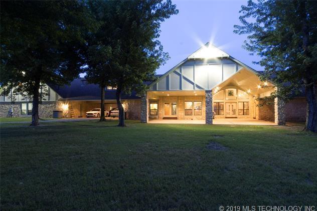 Luxury homes in Catoosa, Oklahoma   820 Lynn Lane Road Catoosa, Oklahoma 74015 33
