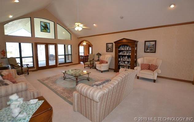 Luxury homes in Catoosa, Oklahoma   820 Lynn Lane Road Catoosa, Oklahoma 74015 6