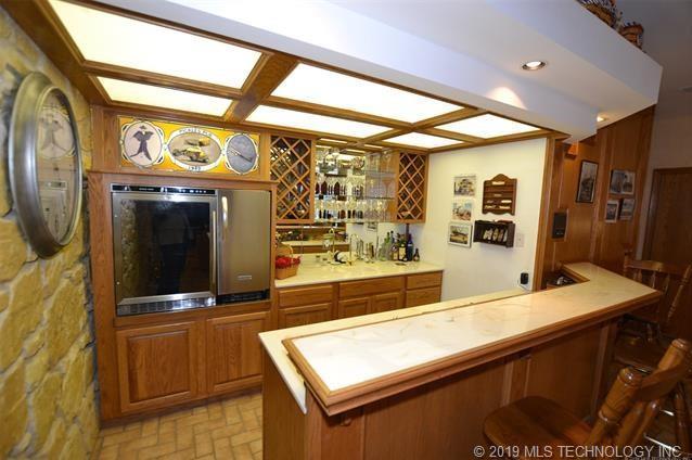Luxury homes in Catoosa, Oklahoma   820 Lynn Lane Road Catoosa, Oklahoma 74015 10