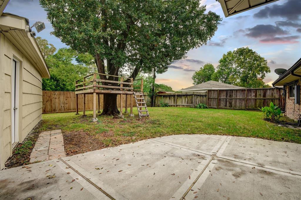 Active | 5914 Lattimer Drive Houston, Texas 77035 35