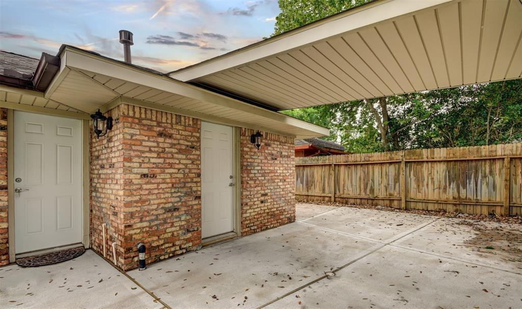 Active | 5914 Lattimer Drive Houston, Texas 77035 36