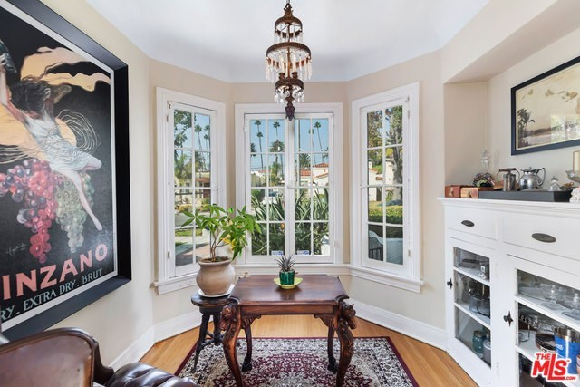 Active   226 N WETHERLY Drive Beverly Hills, CA 90211 10