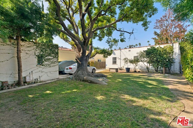Active   226 N WETHERLY Drive Beverly Hills, CA 90211 16