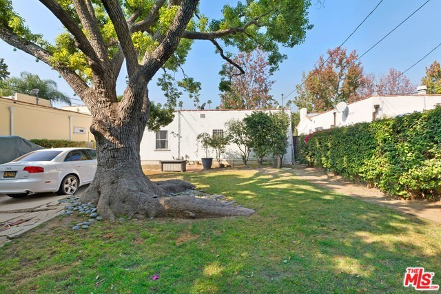Active   226 N WETHERLY Drive Beverly Hills, CA 90211 17