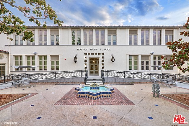 Active   226 N WETHERLY Drive Beverly Hills, CA 90211 29