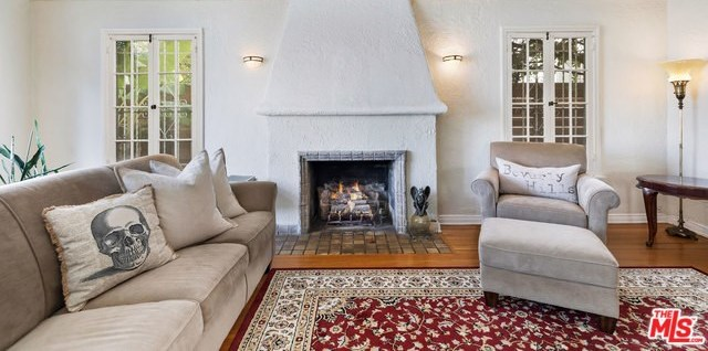 Active   226 N WETHERLY Drive Beverly Hills, CA 90211 5