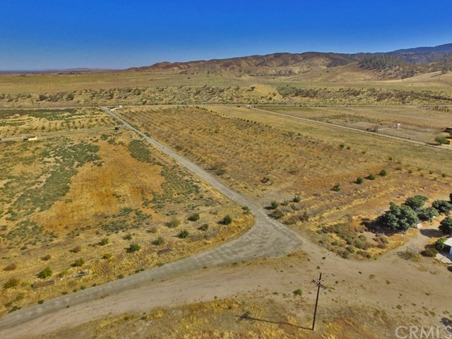 Active | 48601 3 Points Road Lake Hughes, CA 93532 4