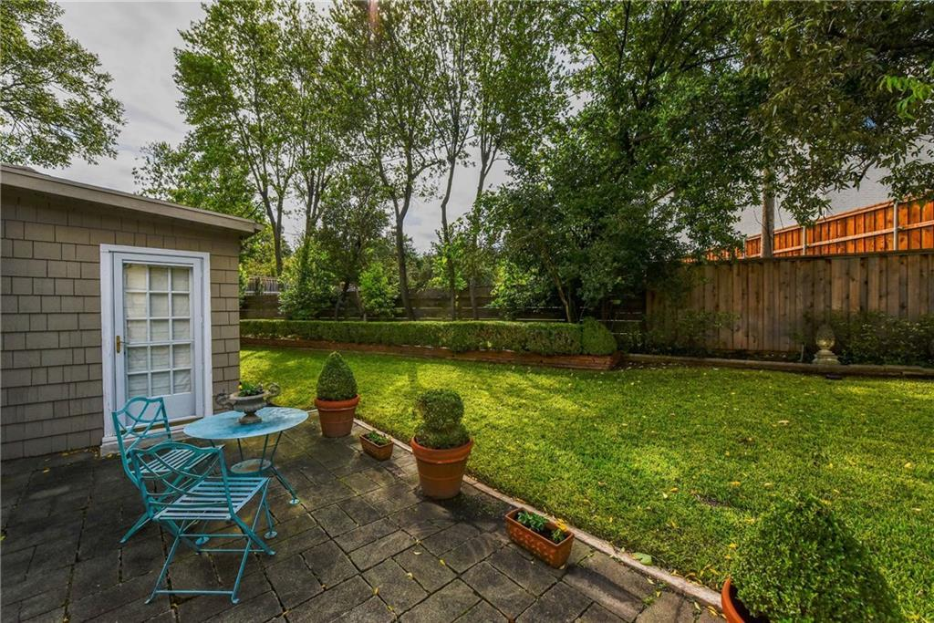 Sold Property | 3621 Potomac Avenue Fort Worth, Texas 76107 4