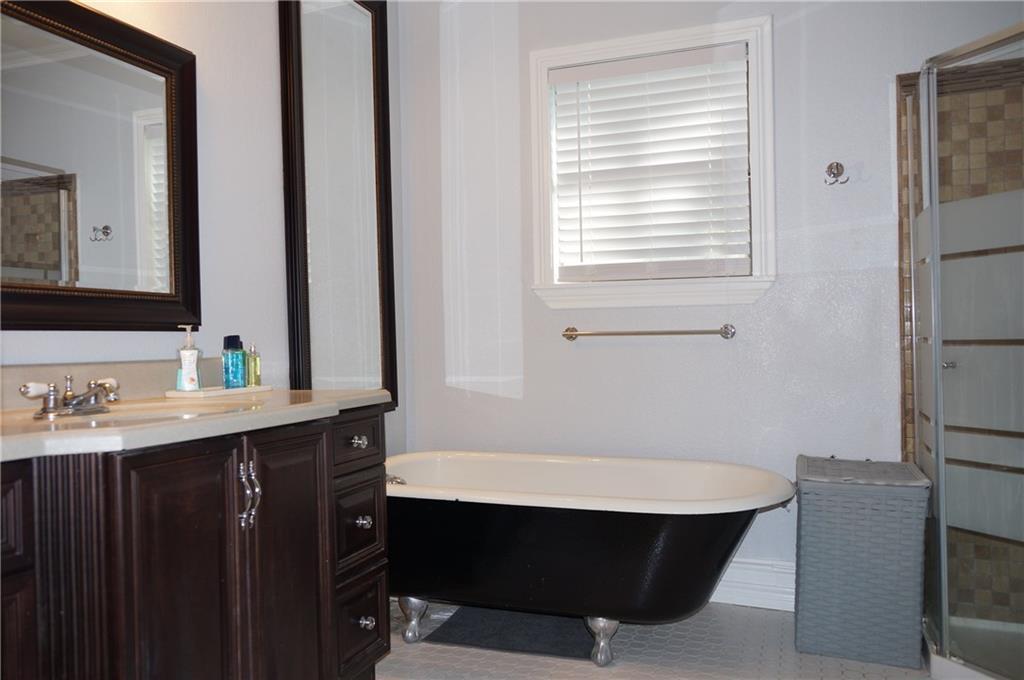 Sold Property | 5312 Dartmouth Avenue River Oaks, Texas 76114 11