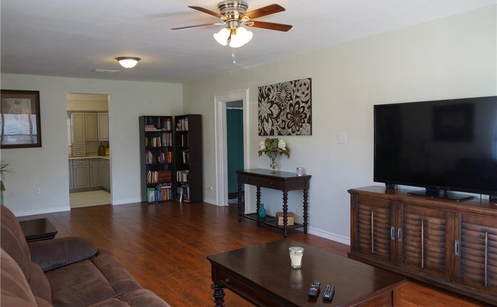 Sold Property | 5312 Dartmouth Avenue River Oaks, Texas 76114 2