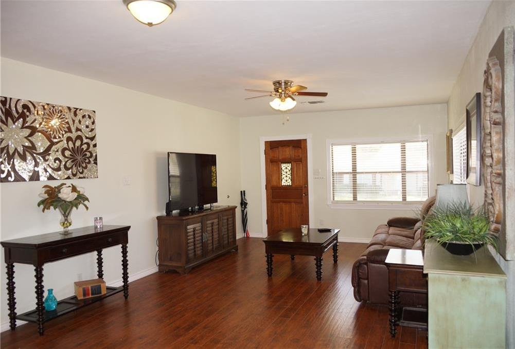 Sold Property | 5312 Dartmouth Avenue River Oaks, Texas 76114 3