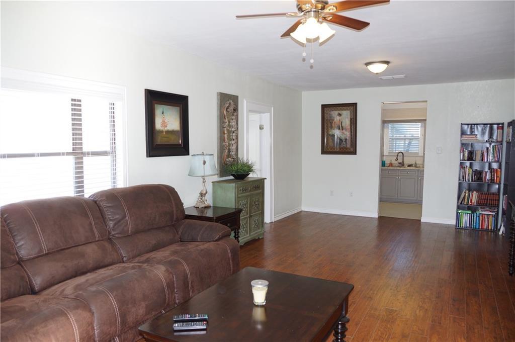 Sold Property | 5312 Dartmouth Avenue River Oaks, Texas 76114 4