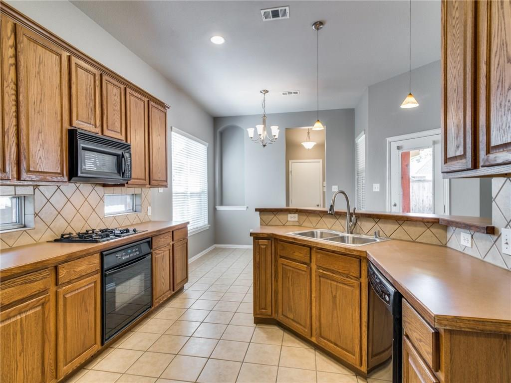 Sold Property | 1600 Country Bend Allen, Texas 75002 15
