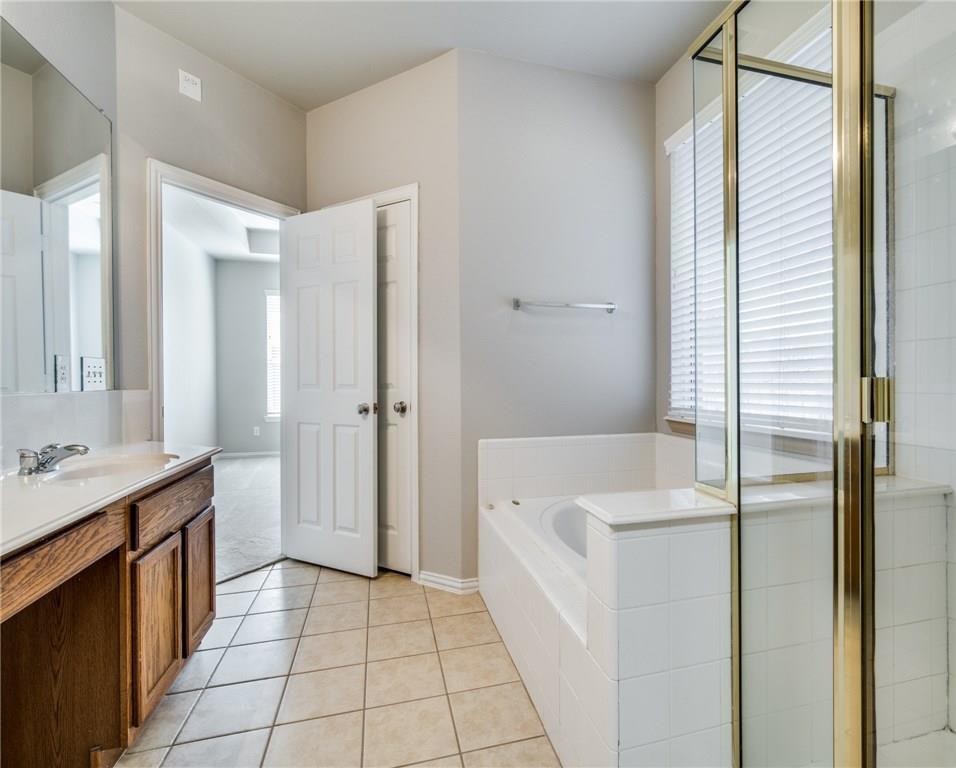 Sold Property | 1600 Country Bend Allen, Texas 75002 18