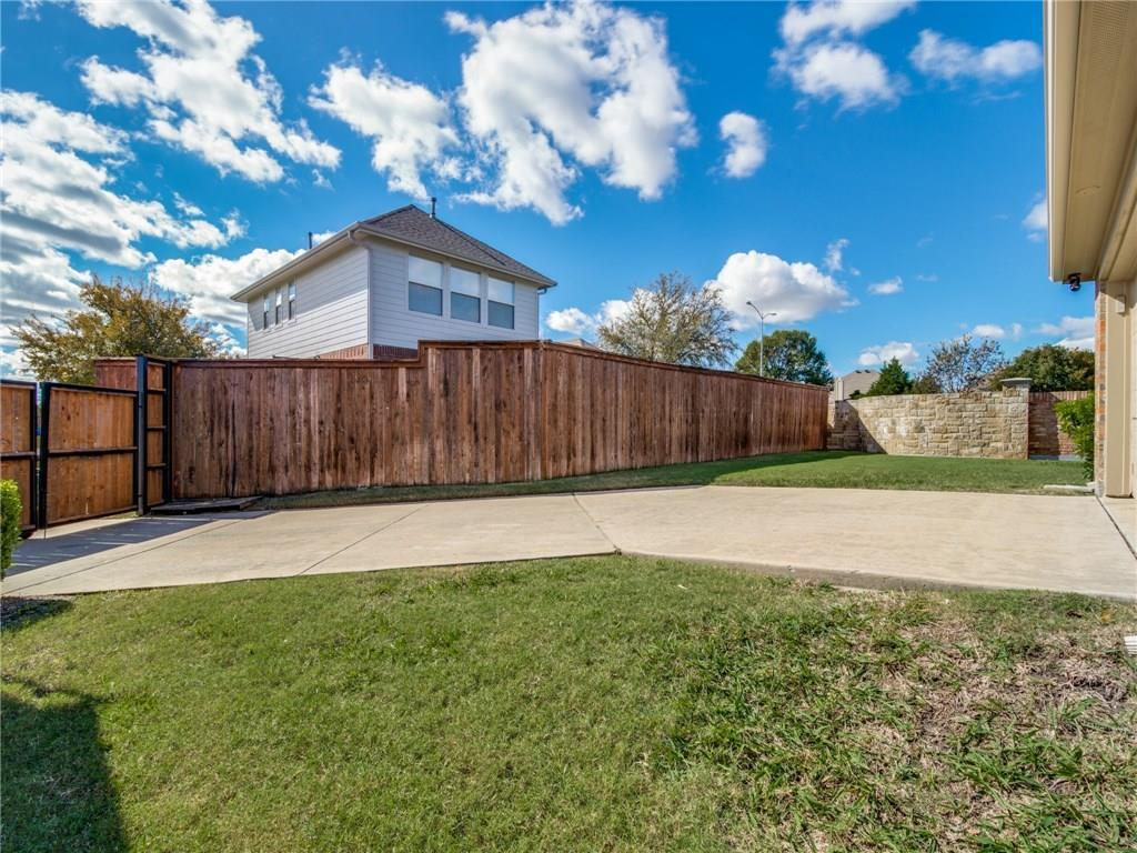 Sold Property | 1600 Country Bend Allen, Texas 75002 25