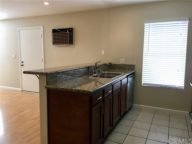 Closed | 1865 Stanley  Avenue #5 Signal Hill, CA 90755 5