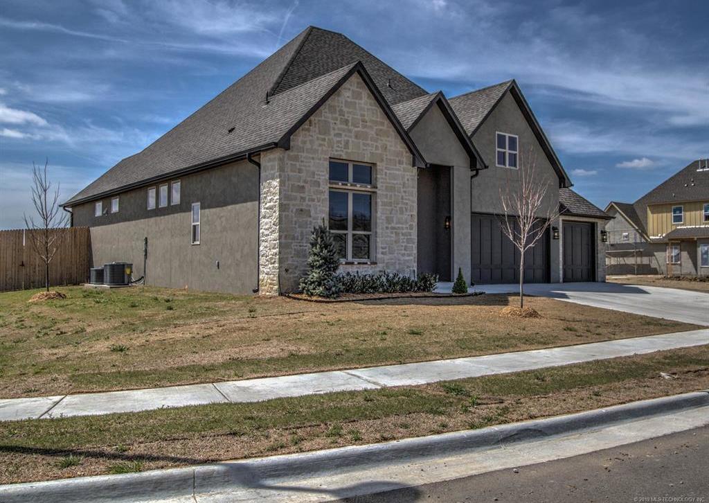 Off Market   16634 E 41st Place Tulsa, Oklahoma 74134 34