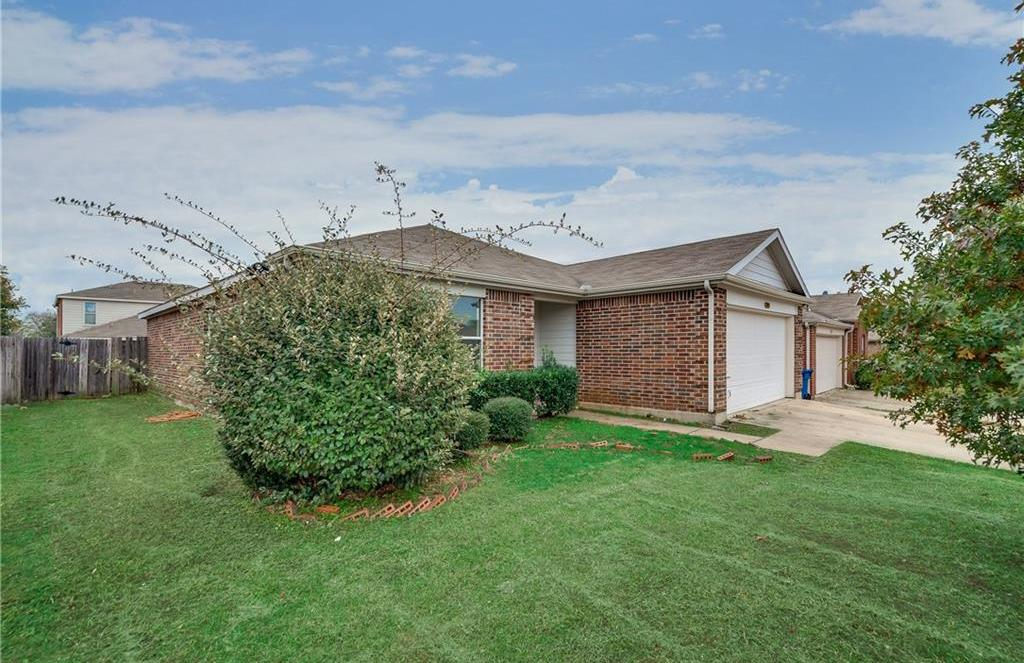 Leased | 215 Pinecrest  Seagoville, Texas 75159 2