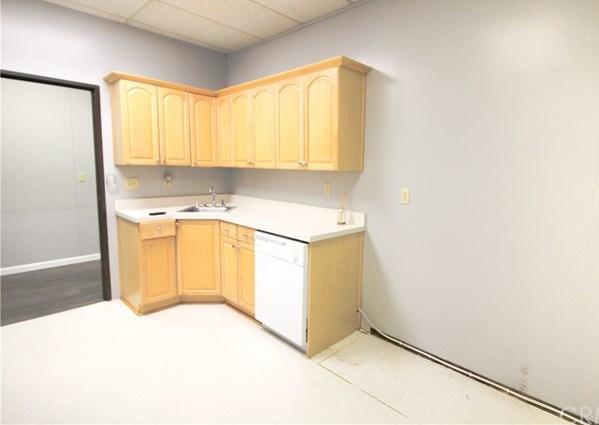 Property for Rent | 1914 W Orangewood Avenue #B Orange, CA 92868 5