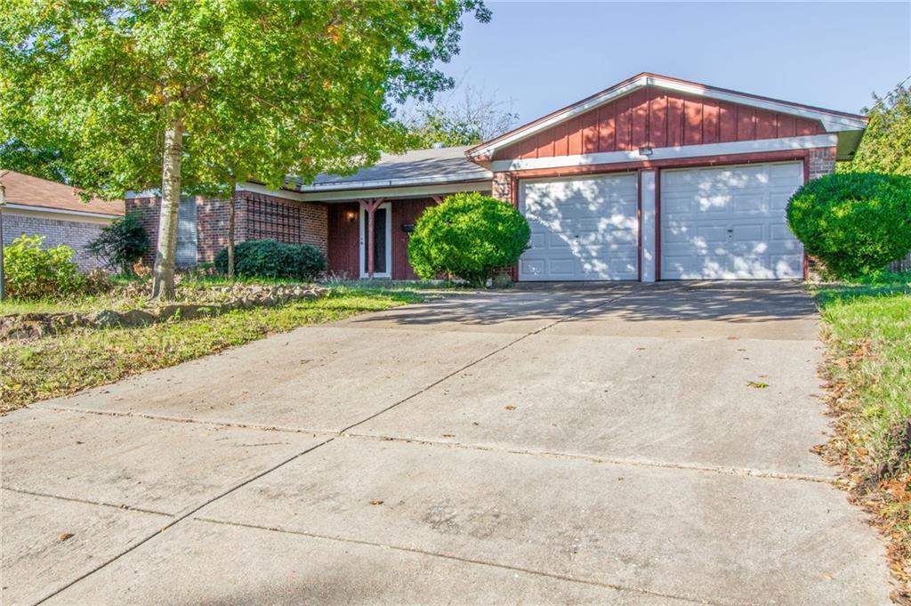 Sold Property | 1218 Usher Street Benbrook, Texas 76126 3