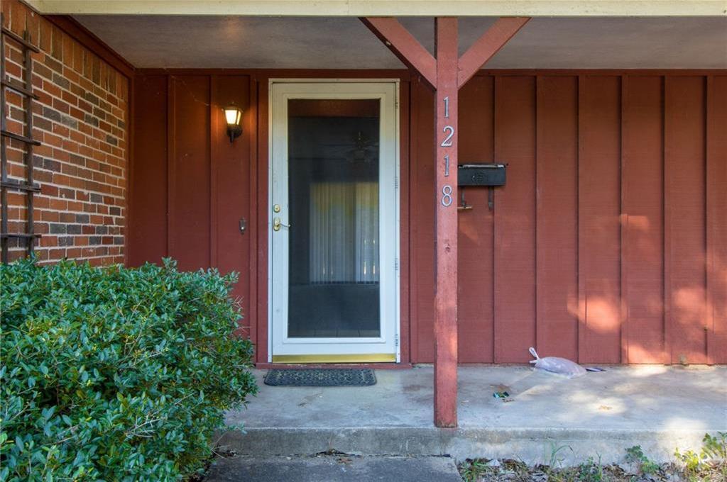 Sold Property | 1218 Usher Street Benbrook, Texas 76126 4