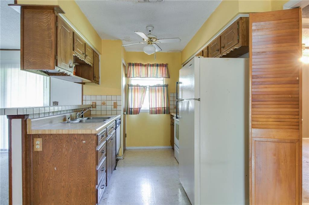 Sold Property | 1218 Usher Street Benbrook, Texas 76126 8