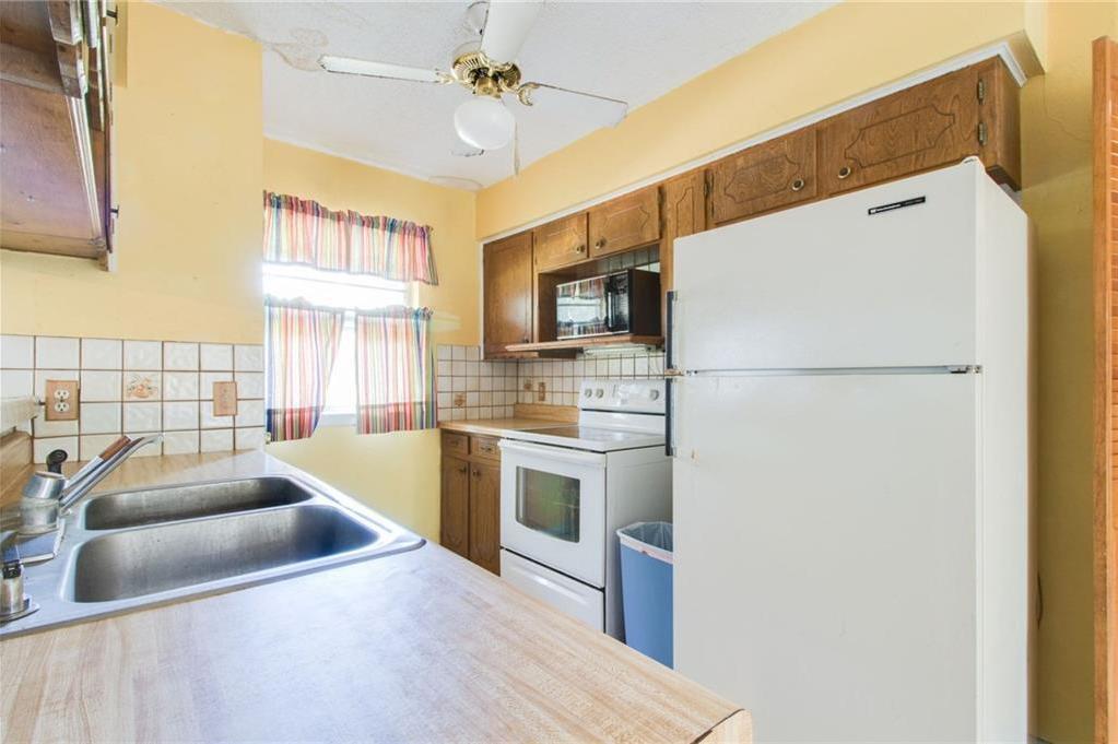 Sold Property | 1218 Usher Street Benbrook, Texas 76126 10