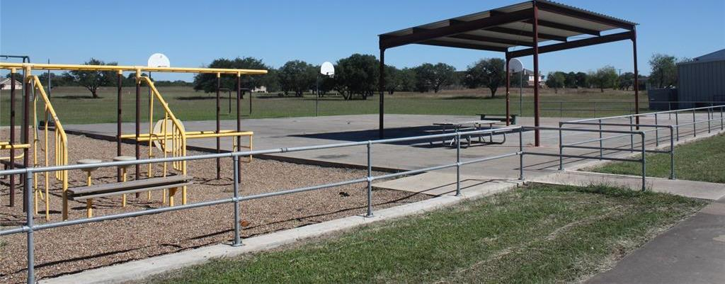 Active | 920 2nd Street Cuero, TX 77954 8