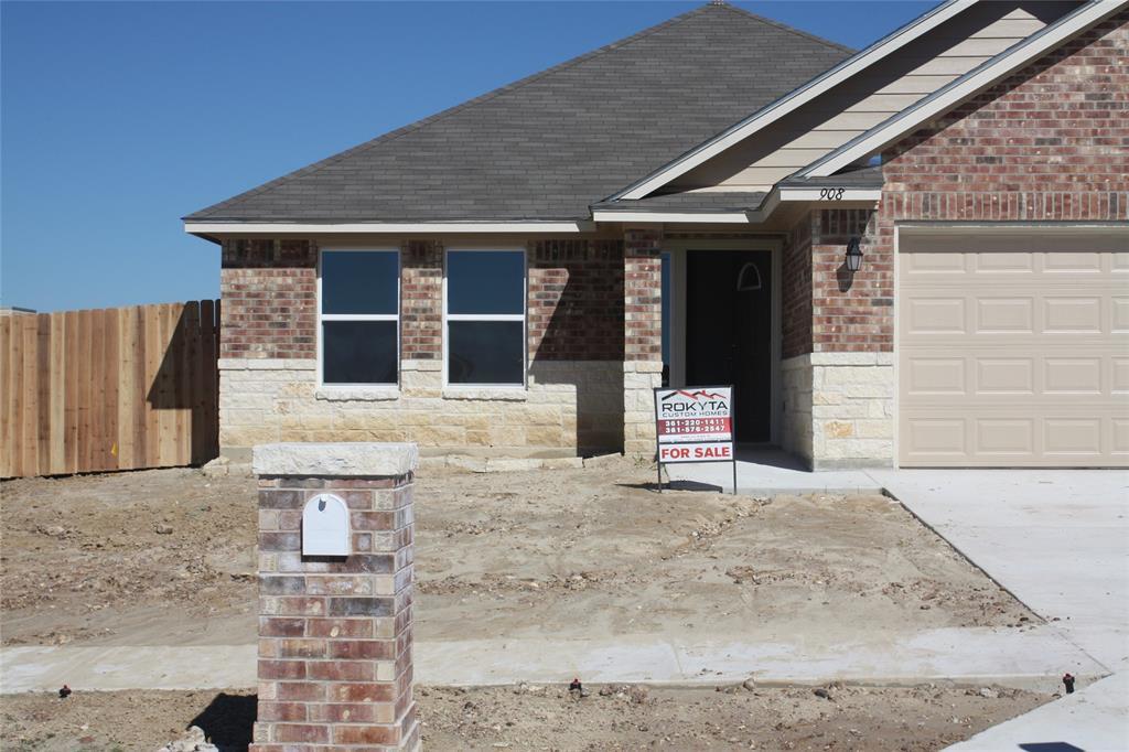 Active | 101 Boulder Ridge Drive Cuero, Texas 77954 9