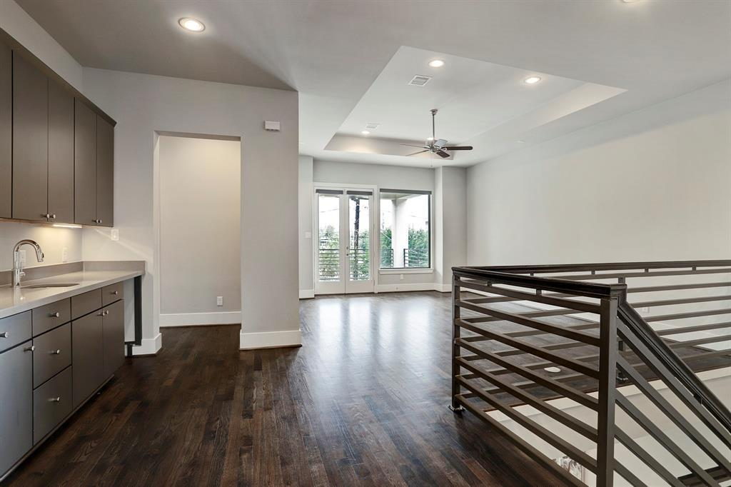 Sold Property   1959 Norfolk Street Houston, Texas 77098 24