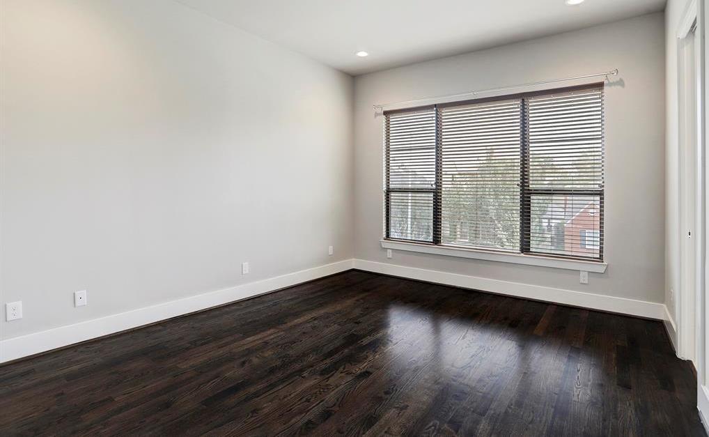 Sold Property   1959 Norfolk Street Houston, Texas 77098 34