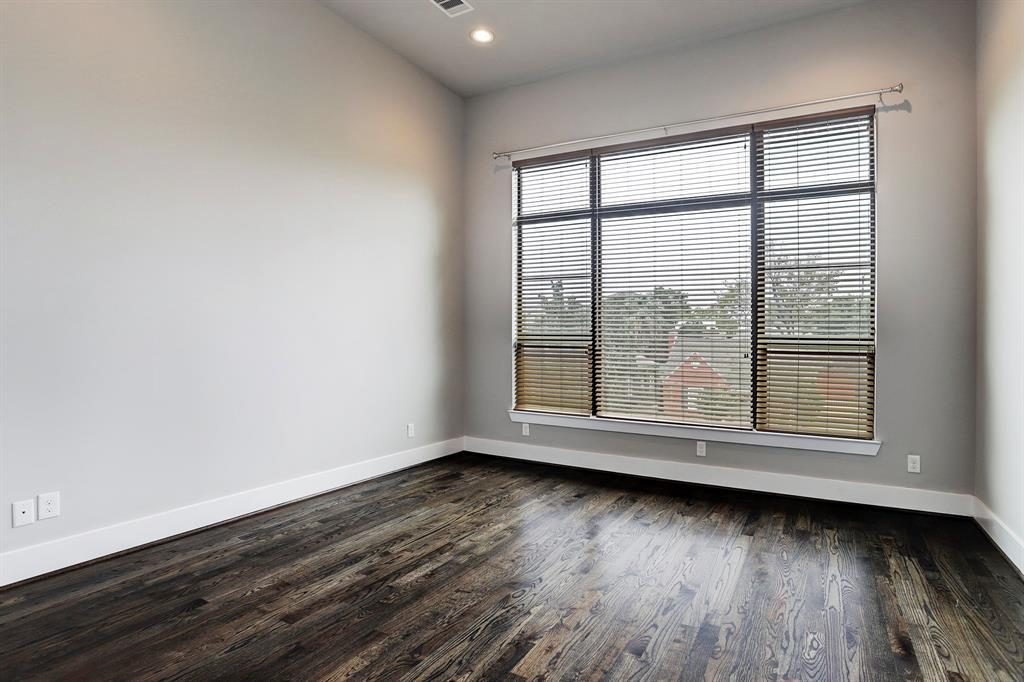 Sold Property   1959 Norfolk Street Houston, Texas 77098 36
