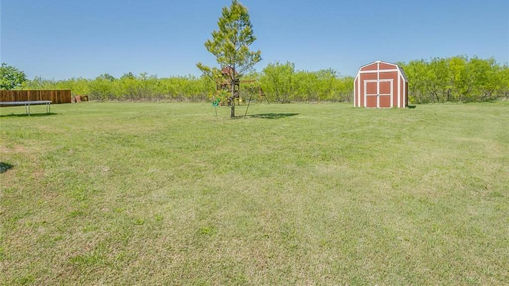 Homes for Sales in Crowley | 2000 Carlisle Drive Crowley, Texas 76036 6