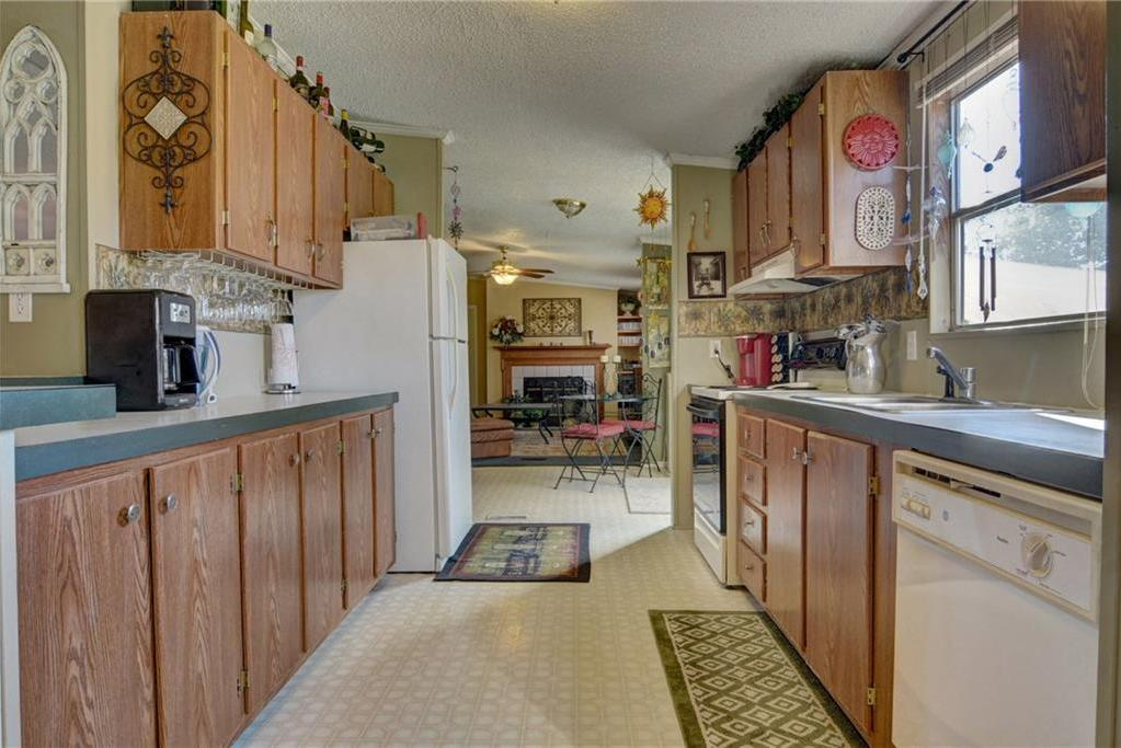 Home for Sale in Bastrop, Bastrop Texas, Bastrop House For Sale, Mobile Home For Sale | 513 Green Valley Drive Bastrop, TX 78602 7