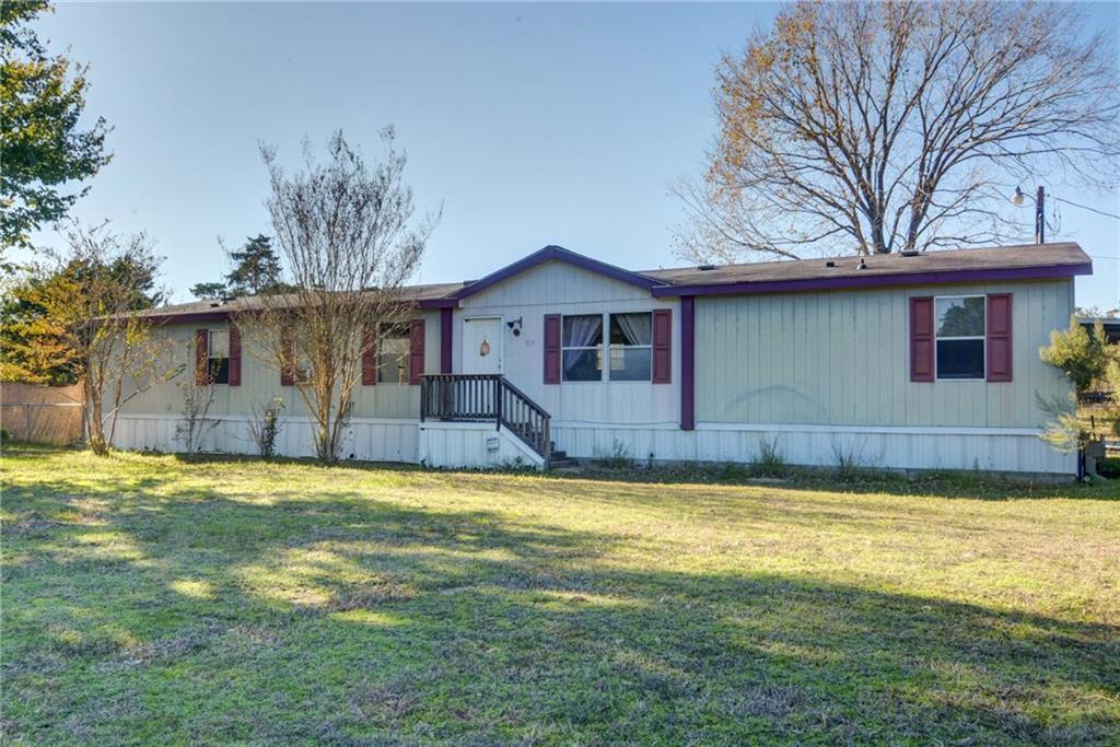 Home for Sale in Bastrop, Bastrop Texas, Bastrop House For Sale, Mobile Home For Sale | 513 Green Valley Drive Bastrop, TX 78602 3