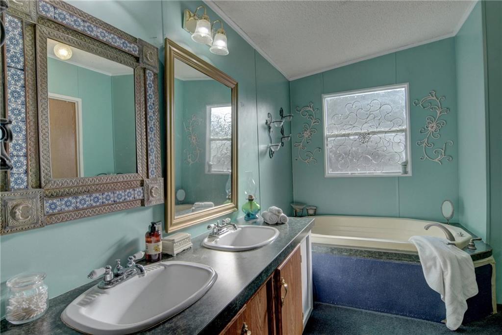 Home for Sale in Bastrop, Bastrop Texas, Bastrop House For Sale, Mobile Home For Sale | 513 Green Valley Drive Bastrop, TX 78602 21