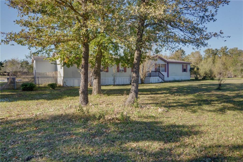 Home for Sale in Bastrop, Bastrop Texas, Bastrop House For Sale, Mobile Home For Sale | 513 Green Valley Drive Bastrop, TX 78602 4