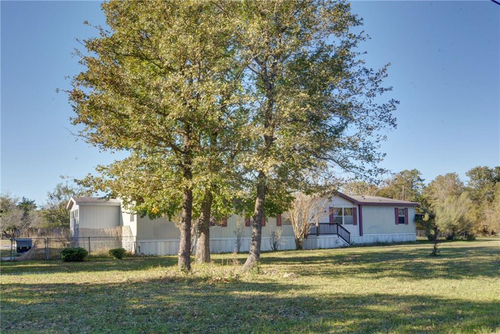 Home for Sale in Bastrop, Bastrop Texas, Bastrop House For Sale, Mobile Home For Sale | 513 Green Valley Drive Bastrop, TX 78602 5