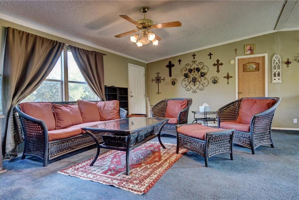 Home for Sale in Bastrop, Bastrop Texas, Bastrop House For Sale, Mobile Home For Sale | 513 Green Valley Drive Bastrop, TX 78602 6