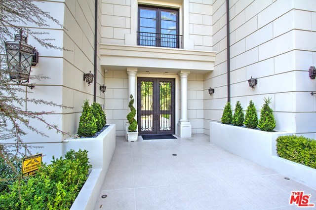 Off Market | 443 N PALM Drive #402 Beverly Hills, CA 90210 2