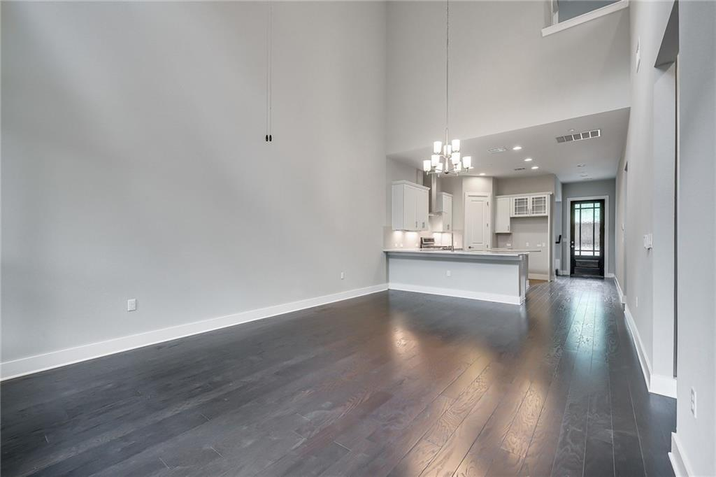 Active | 4323 Spicewood Springs Road #13 Austin, TX 78759 7