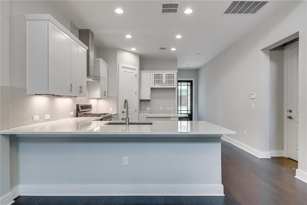 Active | 4323 Spicewood Springs Road #13 Austin, TX 78759 8