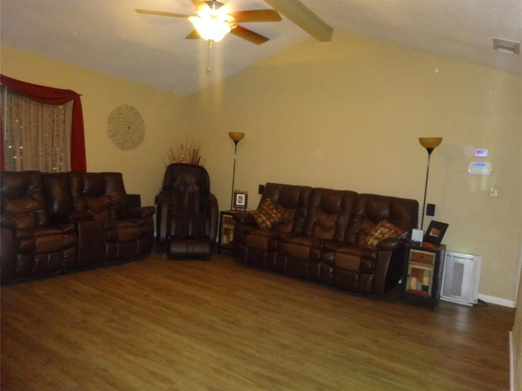 Off Market | 5102 Thierr Drive Bay City, Texas 77414 6