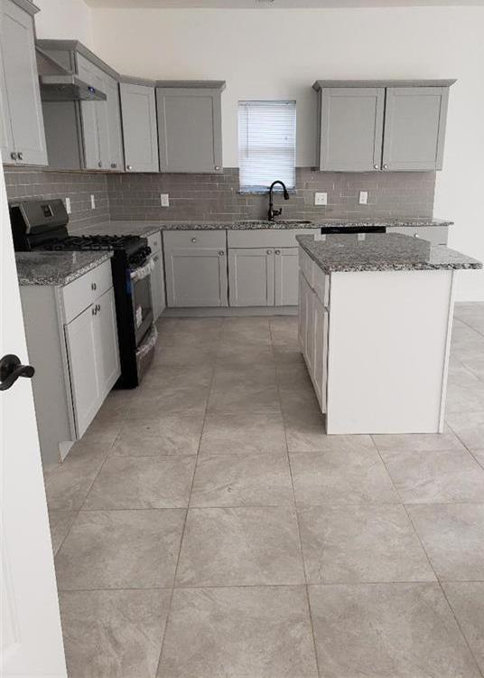 Sold Property | 558 Elkhart Avenue Dallas, Texas 75217 12