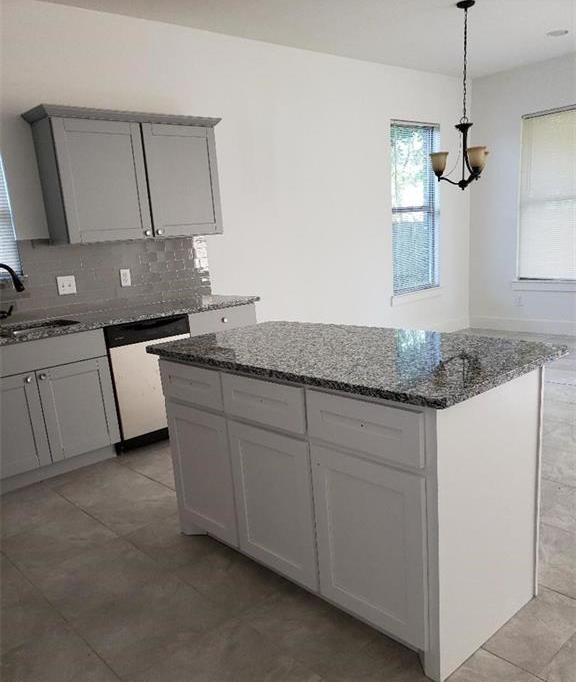 Sold Property | 558 Elkhart Avenue Dallas, Texas 75217 14