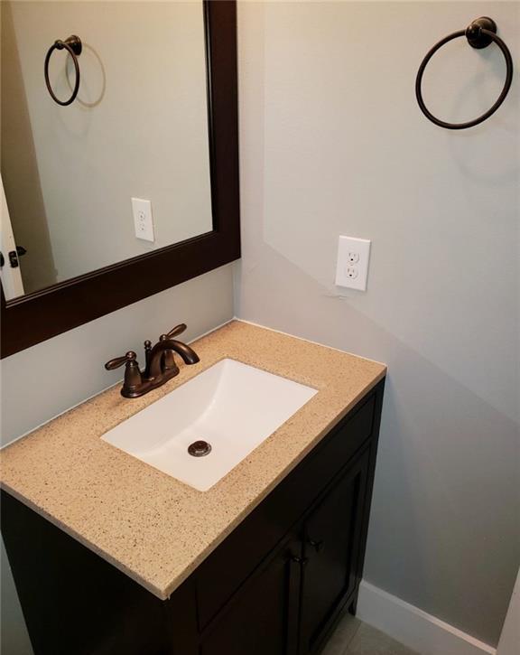 Sold Property | 558 Elkhart Avenue Dallas, Texas 75217 9