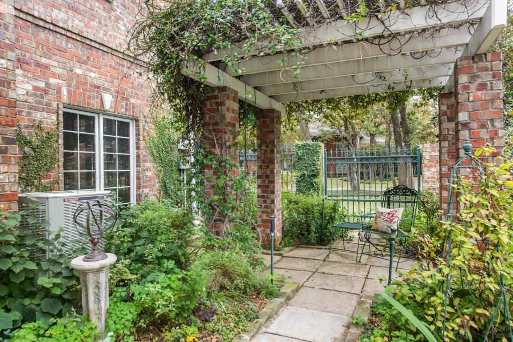 Sold Property | 5100 Deerwood Park Drive Arlington, Texas 76017 5